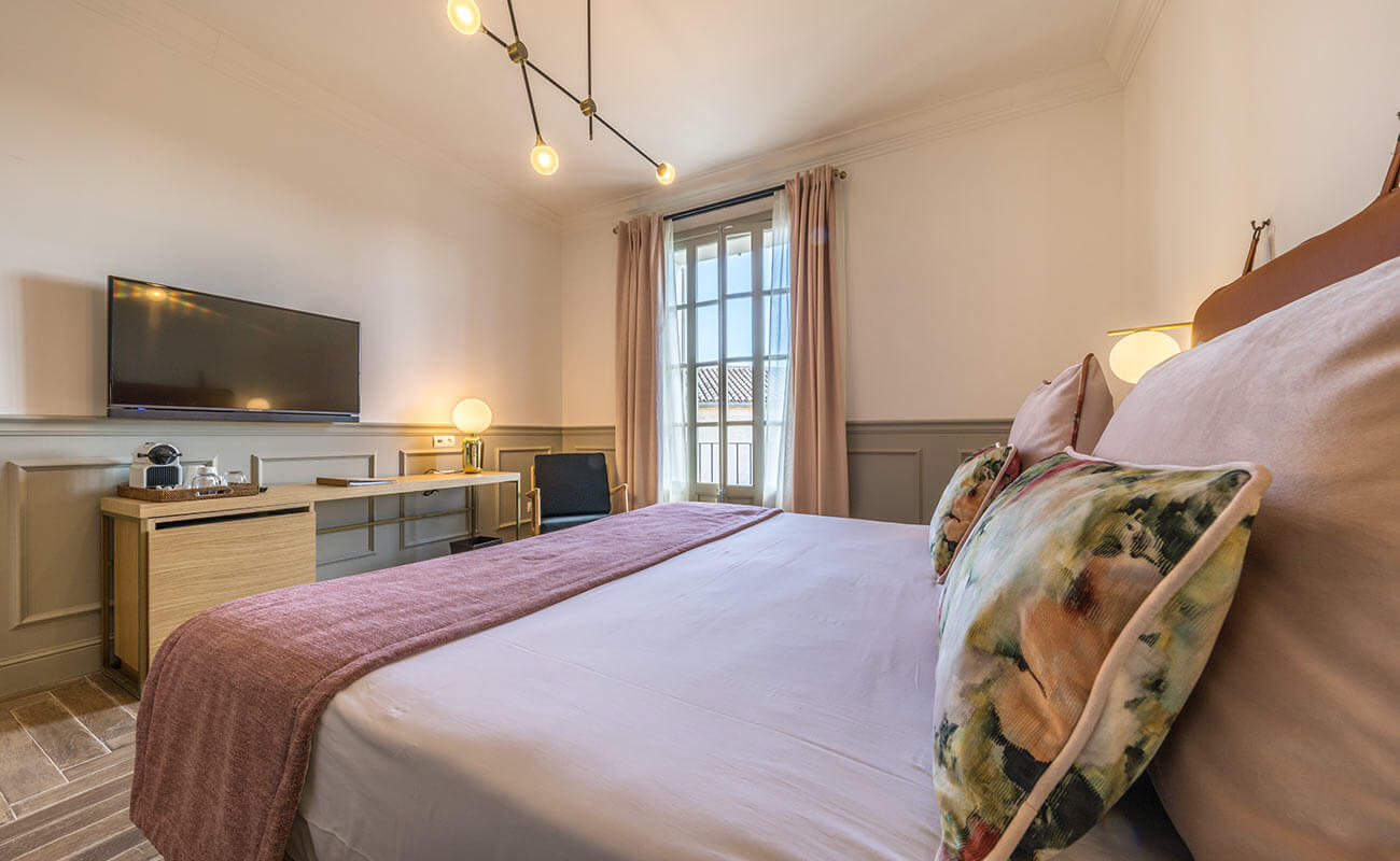 double rooms in stately hotel in Muro